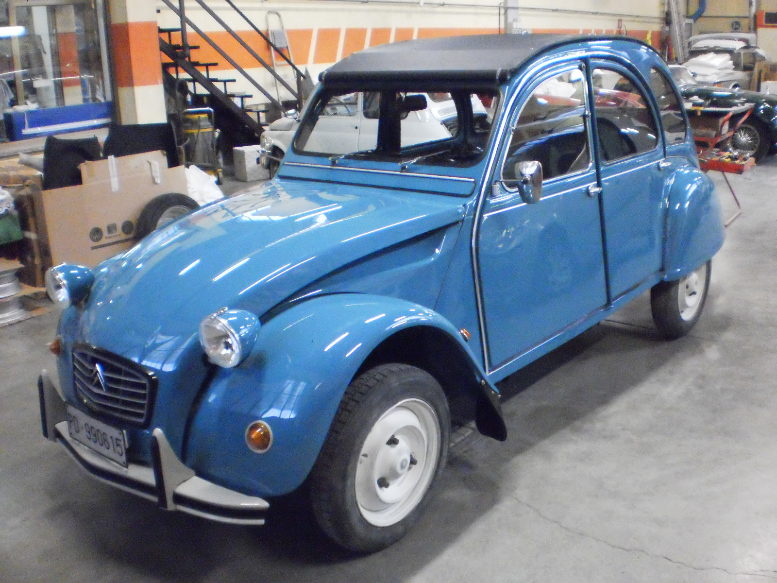 restauro auto d'epoca 2 cv carrozzeria brescia 5