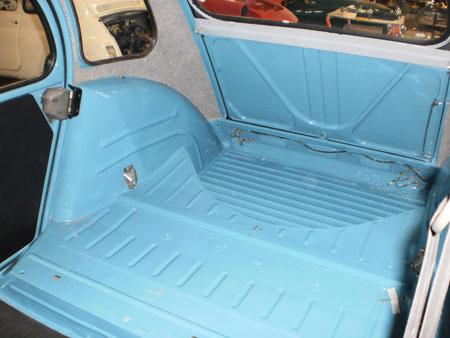 restauro auto d'epoca 2 cv carrozzeria brescia 2